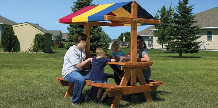 Выносной столик для пикника с крышей