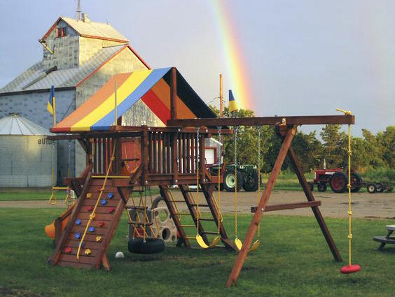 Уход за детской площадкой Rainbow
