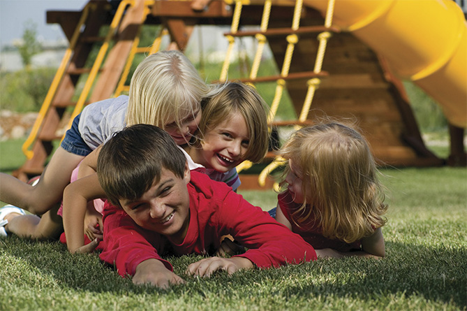 здоровые и веселые дети