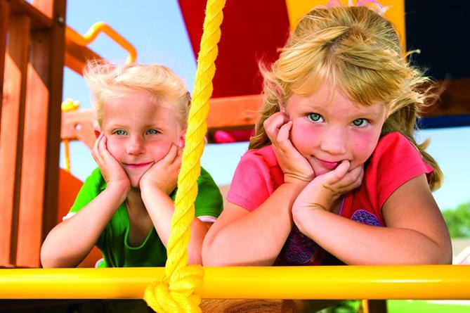 Играя, дети учатся жизни