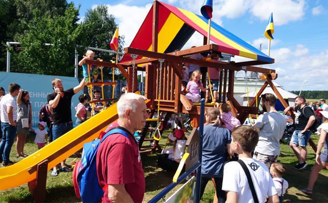 Детская площадка в день мероприятия